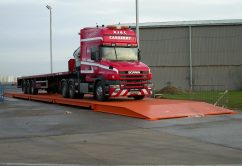 Truck_on_weighbridge
